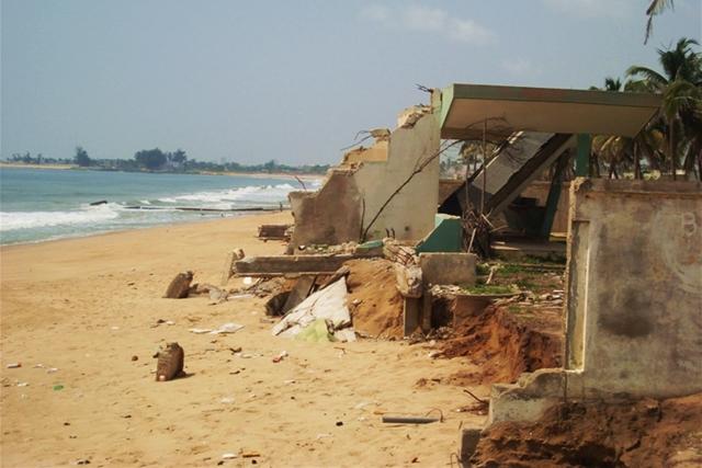 Côte d'Ivoire : 32 millions USD de la Banque mondiale pour freiner l'érosion côtière